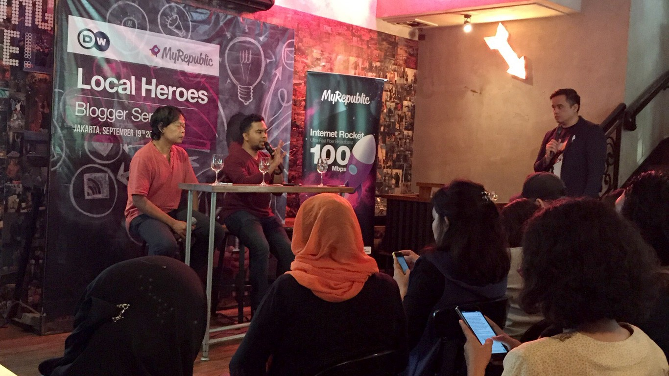 """Local Heroes"" Seminar Blogger Bersama Enda Nasution"